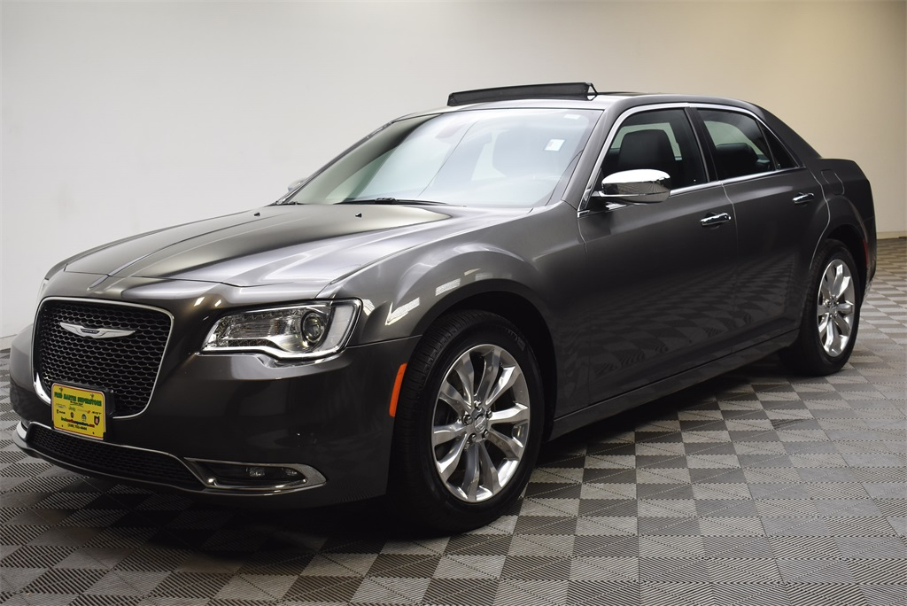 Pre-Owned 2019 Chrysler 300 Limited 4D Sedan in Barberton ...